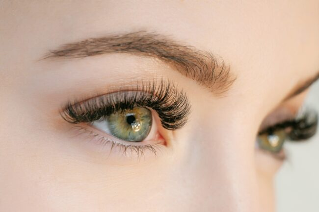 Do eyelashes 1