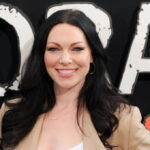 Laura Prepon Natural Hair Color, NET WORTH (#1 Read)