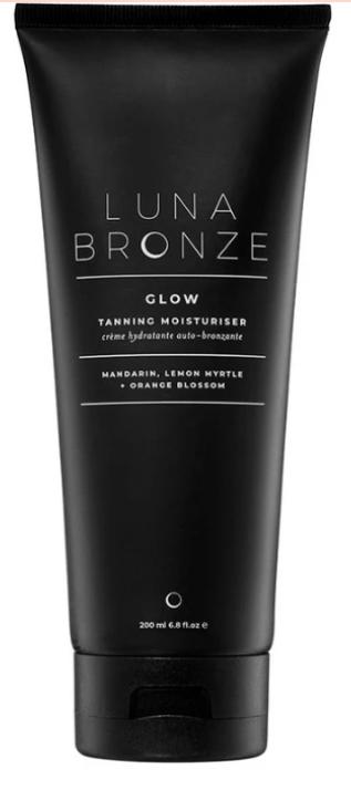 Luna Bronze tanning moisturizer