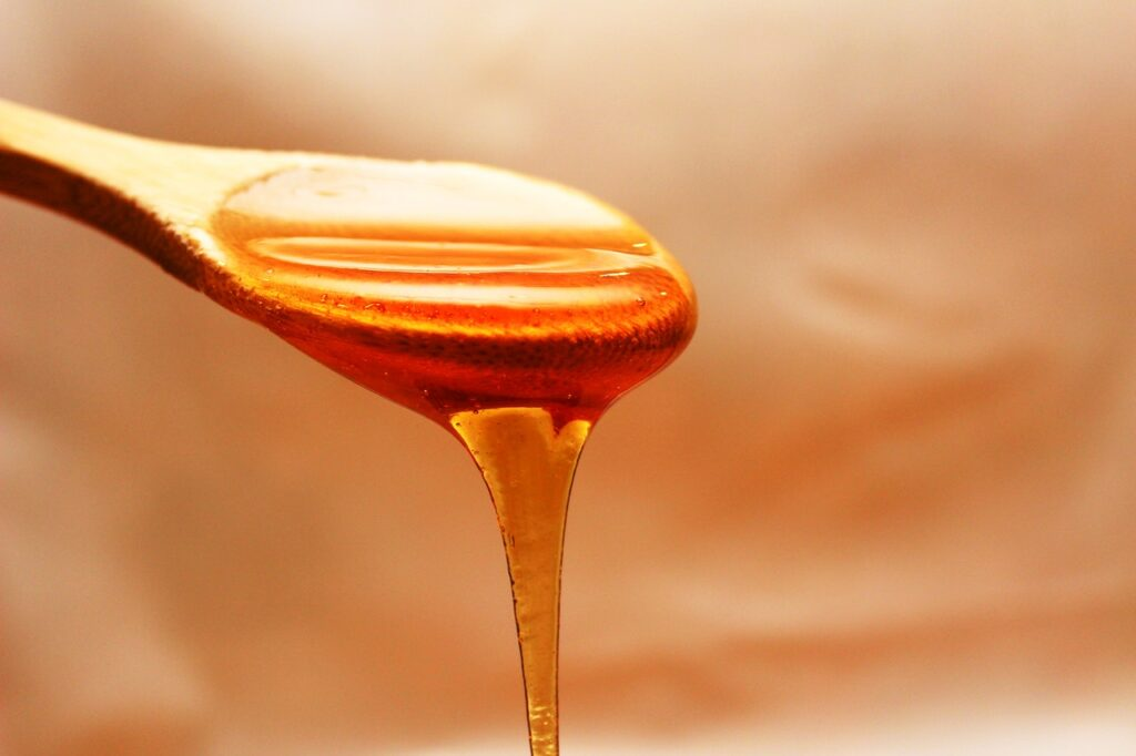 Best Natural Foods For Healthy Skin #15: HONEY